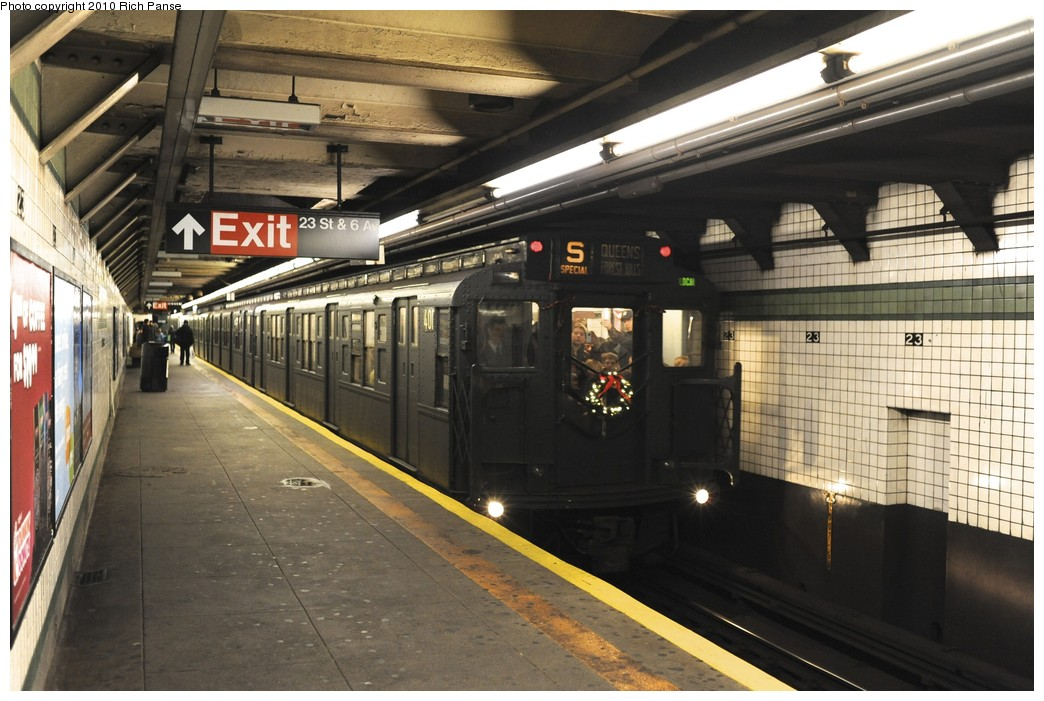 (190k, 1044x701)<br><b>Country:</b> United States<br><b>City:</b> New York<br><b>System:</b> New York City Transit<br><b>Line:</b> IND 6th Avenue Line<br><b>Location:</b> 23rd Street <br><b>Route:</b> Fan Trip<br><b>Car:</b> R-4 (American Car & Foundry, 1932-1933) 401 <br><b>Photo by:</b> Richard Panse<br><b>Date:</b> 12/5/2010<br><b>Notes:</b> Nostalgia train- Sunday Shoppers Special<br><b>Viewed (this week/total):</b> 2 / 1291