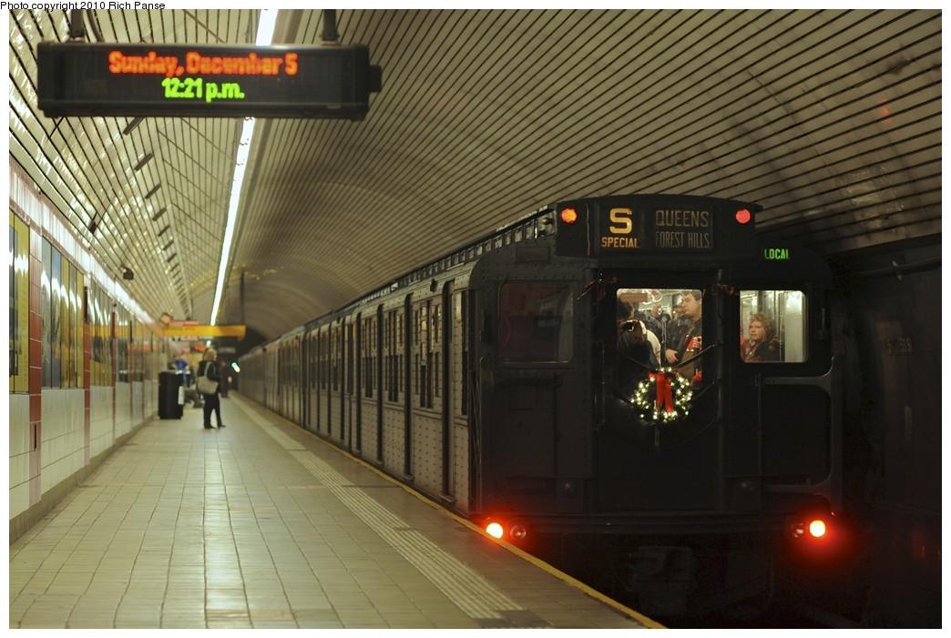 (186k, 1044x701)<br><b>Country:</b> United States<br><b>City:</b> New York<br><b>System:</b> New York City Transit<br><b>Line:</b> IND Queens Boulevard Line<br><b>Location:</b> 5th Avenue/53rd Street <br><b>Route:</b> Fan Trip<br><b>Car:</b> R-4 (American Car & Foundry, 1932-1933) 401 <br><b>Photo by:</b> Richard Panse<br><b>Date:</b> 12/5/2010<br><b>Notes:</b> Nostalgia train- Sunday Shoppers Special<br><b>Viewed (this week/total):</b> 1 / 1150