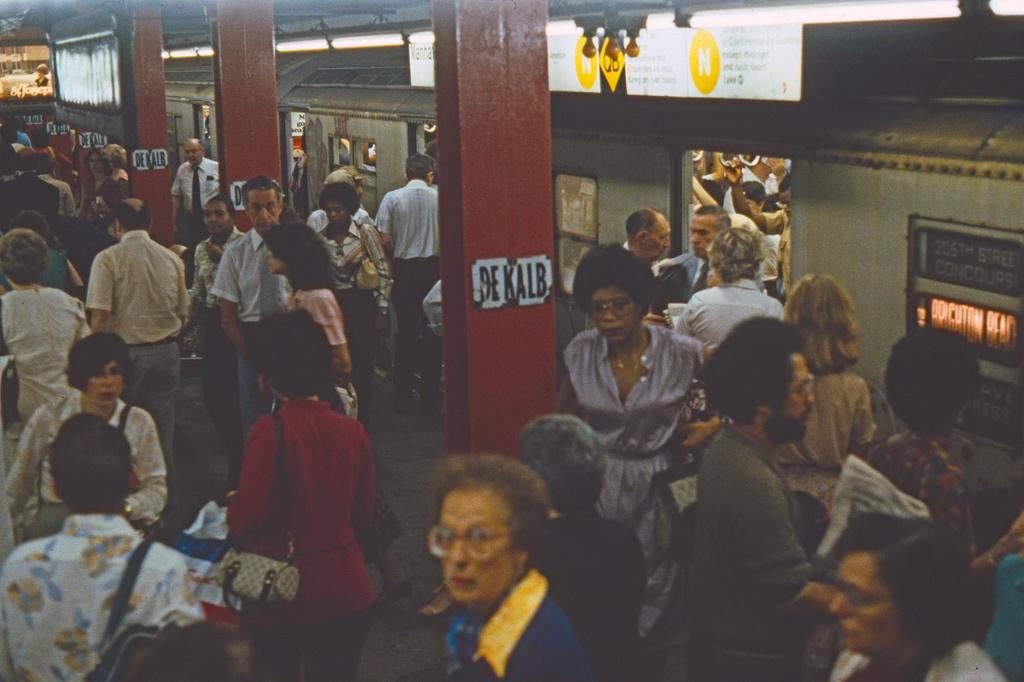 (359k, 1024x682)<br><b>Country:</b> United States<br><b>City:</b> New York<br><b>System:</b> New York City Transit<br><b>Location:</b> DeKalb Avenue<br><b>Collection of:</b> Collection of nycsubway.org <br><b>Notes:</b> 1980s<br><b>Viewed (this week/total):</b> 4 / 2749