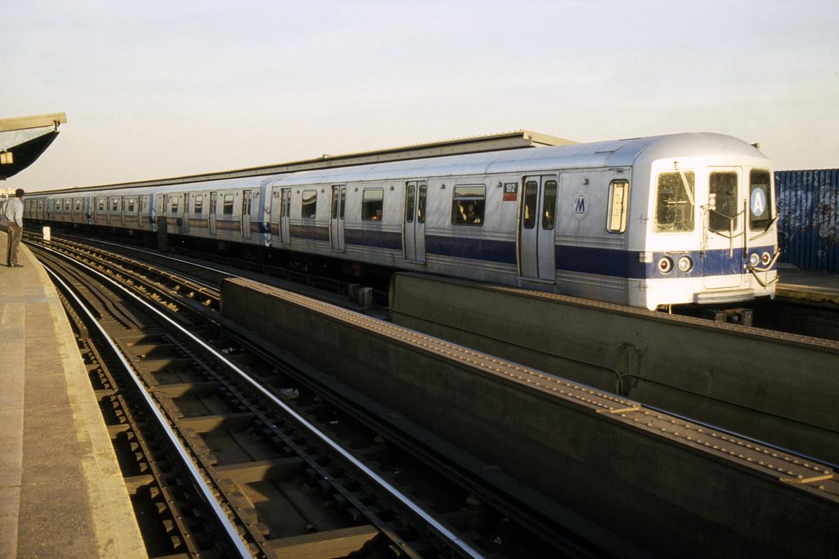 (225k, 1024x688)<br><b>Country:</b> United States<br><b>City:</b> New York<br><b>System:</b> New York City Transit<br><b>Line:</b> IND Fulton Street Line<br><b>Location:</b> Rockaway Boulevard <br><b>Route:</b> A<br><b>Car:</b> R-44 (St. Louis, 1971-73) 192 <br><b>Collection of:</b> Collection of nycsubway.org <br><b>Notes:</b> 1980s<br><b>Viewed (this week/total):</b> 2 / 1649
