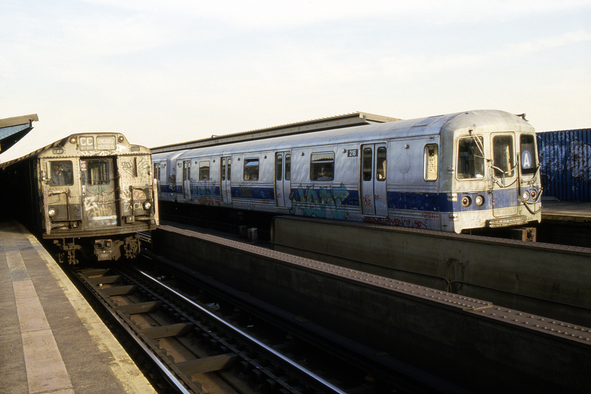 (213k, 1024x688)<br><b>Country:</b> United States<br><b>City:</b> New York<br><b>System:</b> New York City Transit<br><b>Line:</b> IND Fulton Street Line<br><b>Location:</b> Rockaway Boulevard <br><b>Route:</b> A<br><b>Car:</b> R-44 (St. Louis, 1971-73) 216 <br><b>Collection of:</b> Collection of nycsubway.org <br><b>Notes:</b> 1980s<br><b>Viewed (this week/total):</b> 5 / 2192