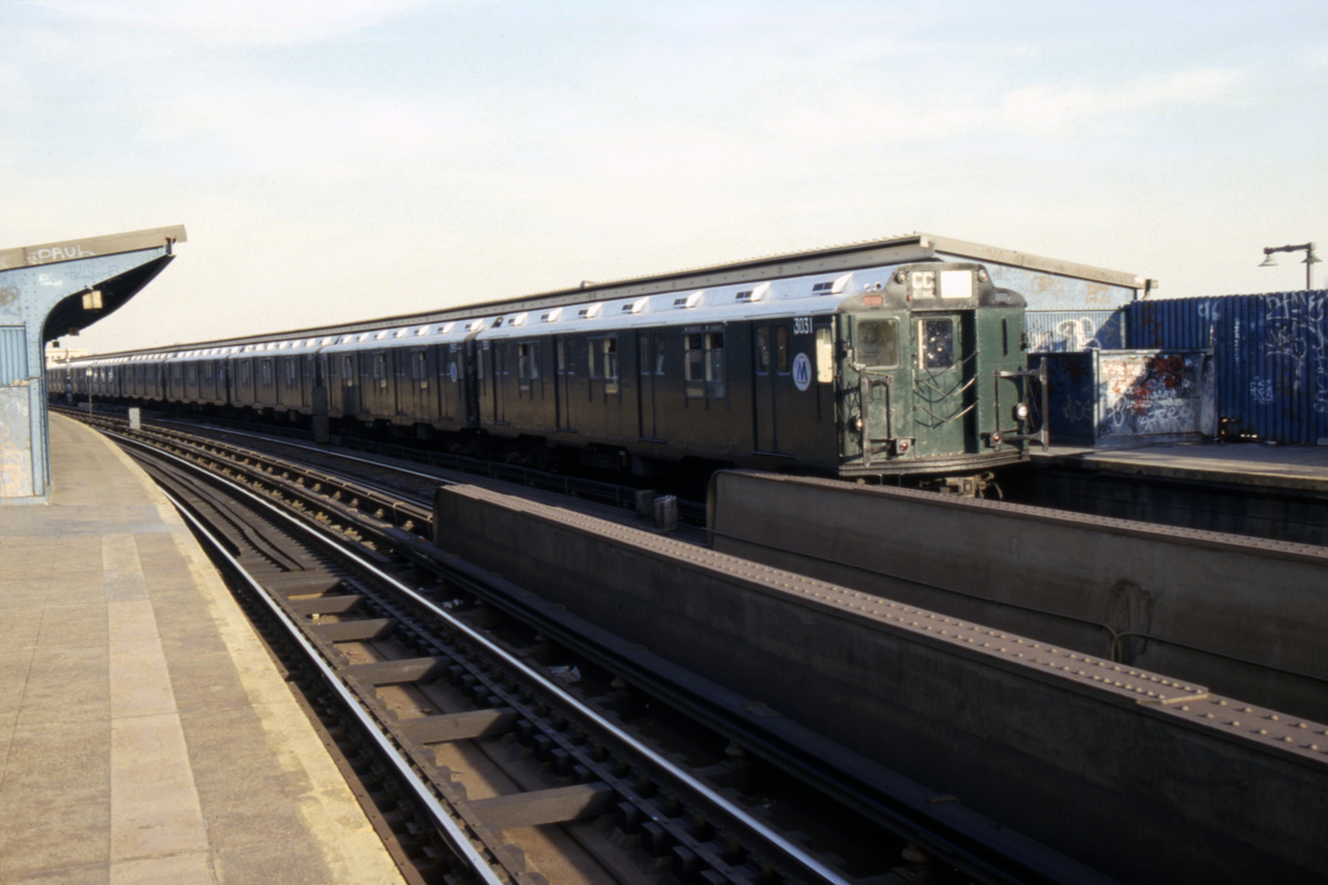 (326k, 1024x683)<br><b>Country:</b> United States<br><b>City:</b> New York<br><b>System:</b> New York City Transit<br><b>Line:</b> IND Fulton Street Line<br><b>Location:</b> Rockaway Boulevard <br><b>Route:</b> CC<br><b>Car:</b> R-10 (American Car & Foundry, 1948) 3031 <br><b>Collection of:</b> Collection of nycsubway.org <br><b>Notes:</b> 1980s<br><b>Viewed (this week/total):</b> 4 / 2288