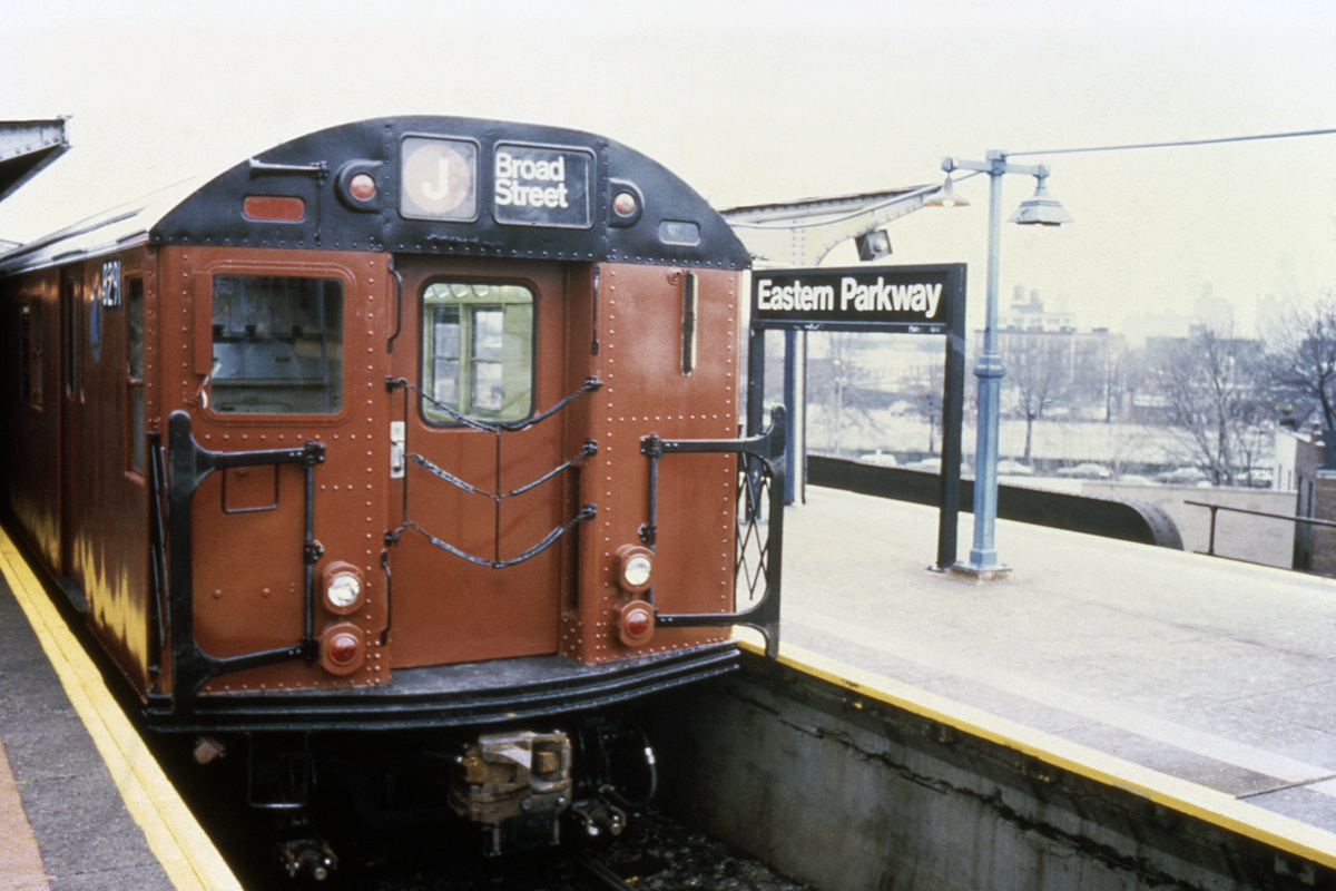 (343k, 1024x683)<br><b>Country:</b> United States<br><b>City:</b> New York<br><b>System:</b> New York City Transit<br><b>Line:</b> BMT Nassau Street/Jamaica Line<br><b>Location:</b> Broadway/East New York (Broadway Junction) <br><b>Route:</b> J<br><b>Car:</b> R-30 (St. Louis, 1961) 8291 <br><b>Collection of:</b> Collection of nycsubway.org <br><b>Notes:</b> 1980s<br><b>Viewed (this week/total):</b> 1 / 3461