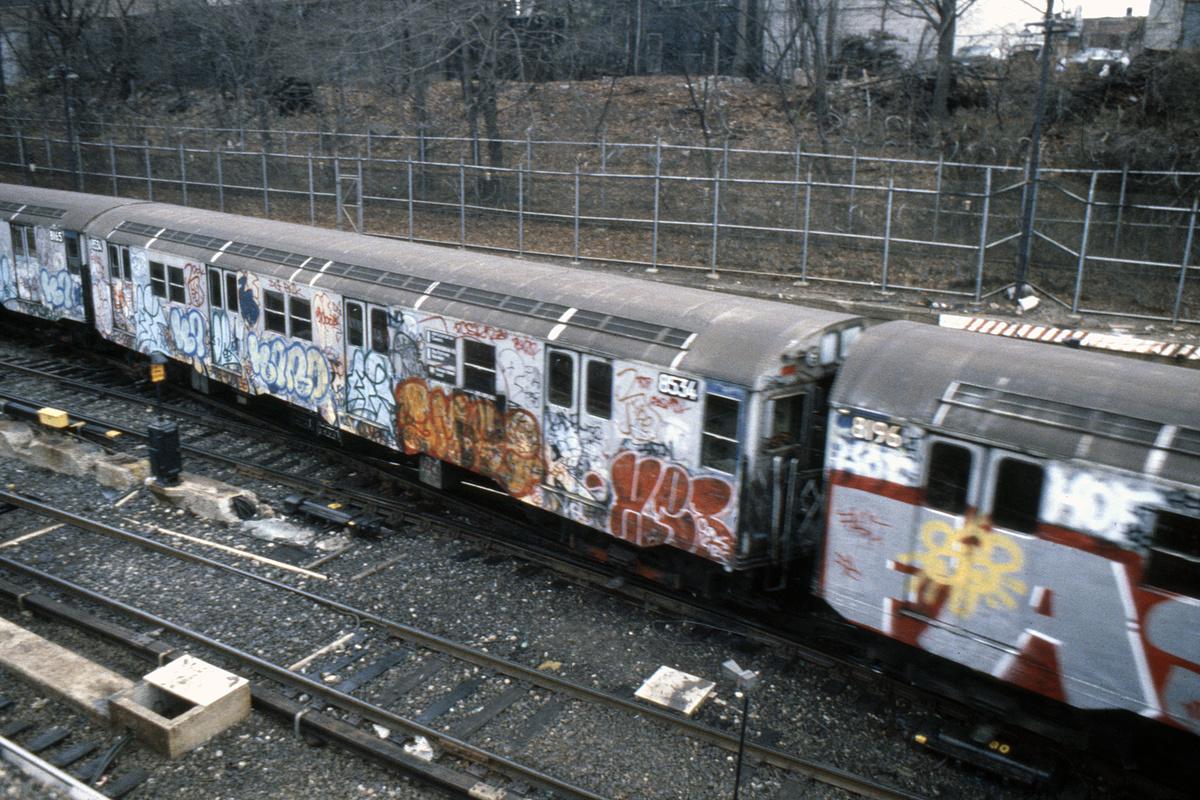 (302k, 1024x678)<br><b>Country:</b> United States<br><b>City:</b> New York<br><b>System:</b> New York City Transit<br><b>Line:</b> BMT West End Line<br><b>Location:</b> 9th Avenue <br><b>Route:</b> M<br><b>Car:</b> R-30 (St. Louis, 1961) 8534 <br><b>Collection of:</b> Collection of nycsubway.org <br><b>Notes:</b> 1980s<br><b>Viewed (this week/total):</b> 2 / 4024