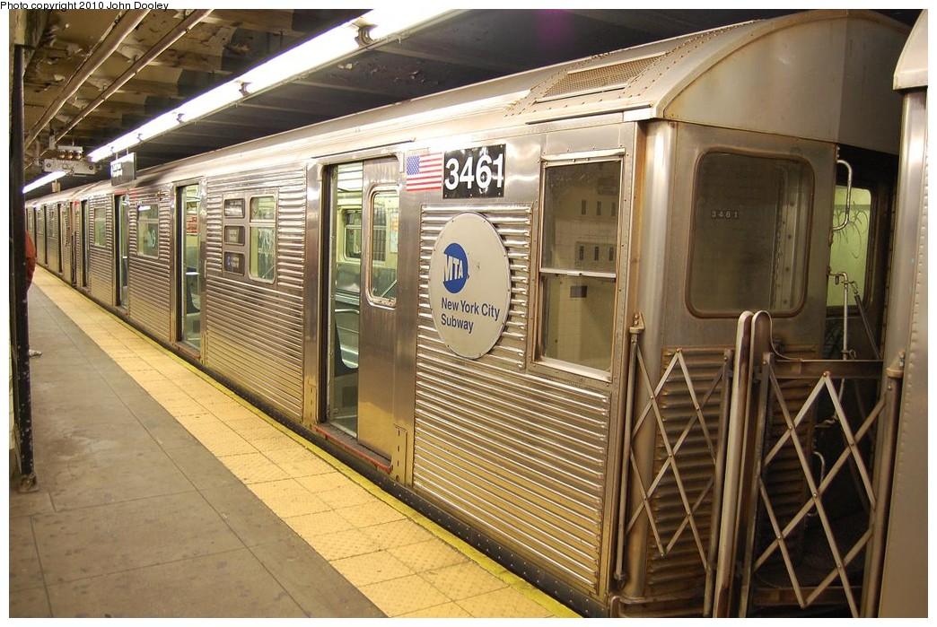 (256k, 1044x699)<br><b>Country:</b> United States<br><b>City:</b> New York<br><b>System:</b> New York City Transit<br><b>Line:</b> IND 8th Avenue Line<br><b>Location:</b> 168th Street <br><b>Route:</b> C<br><b>Car:</b> R-32 (Budd, 1964)  3461 <br><b>Photo by:</b> John Dooley<br><b>Date:</b> 12/3/2010<br><b>Viewed (this week/total):</b> 2 / 1088