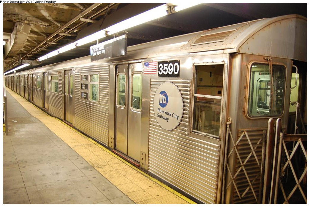 (251k, 1044x699)<br><b>Country:</b> United States<br><b>City:</b> New York<br><b>System:</b> New York City Transit<br><b>Line:</b> IND 8th Avenue Line<br><b>Location:</b> 168th Street <br><b>Route:</b> C<br><b>Car:</b> R-32 (Budd, 1964)  3590 <br><b>Photo by:</b> John Dooley<br><b>Date:</b> 12/3/2010<br><b>Viewed (this week/total):</b> 1 / 1345