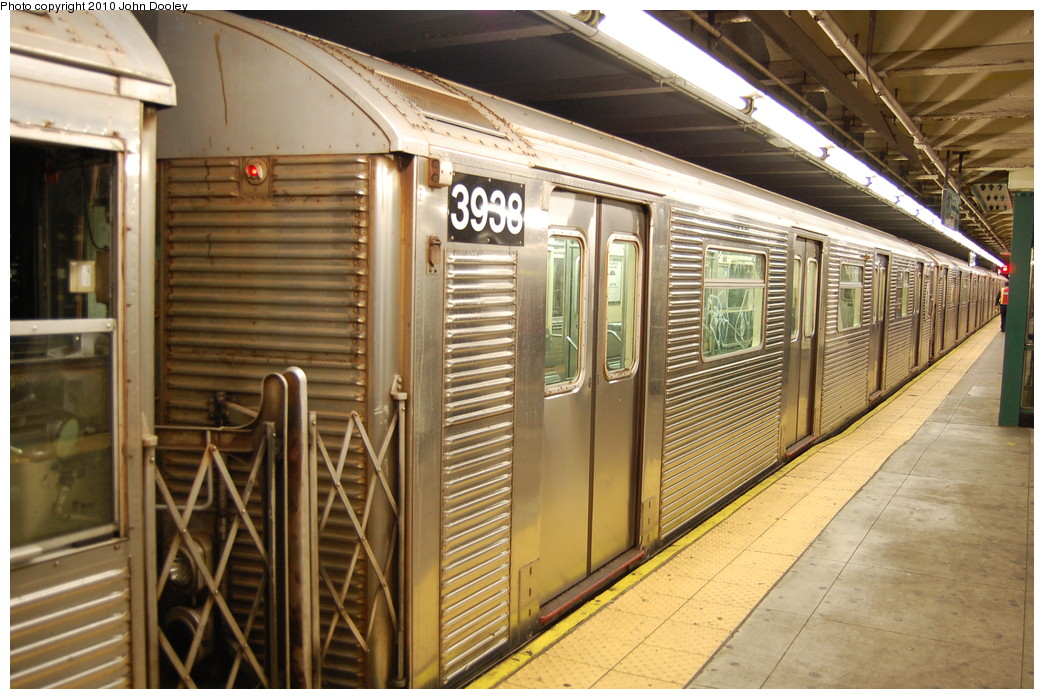 (288k, 1044x699)<br><b>Country:</b> United States<br><b>City:</b> New York<br><b>System:</b> New York City Transit<br><b>Line:</b> IND 8th Avenue Line<br><b>Location:</b> 168th Street <br><b>Route:</b> C<br><b>Car:</b> R-32 (Budd, 1964)  3938 <br><b>Photo by:</b> John Dooley<br><b>Date:</b> 12/3/2010<br><b>Viewed (this week/total):</b> 2 / 1326