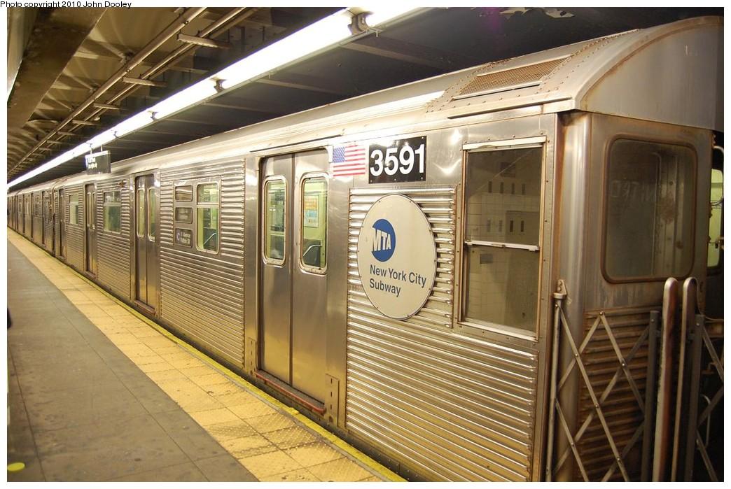(247k, 1044x699)<br><b>Country:</b> United States<br><b>City:</b> New York<br><b>System:</b> New York City Transit<br><b>Line:</b> IND 8th Avenue Line<br><b>Location:</b> 168th Street <br><b>Route:</b> C<br><b>Car:</b> R-32 (Budd, 1964)  3591 <br><b>Photo by:</b> John Dooley<br><b>Date:</b> 12/3/2010<br><b>Viewed (this week/total):</b> 0 / 959