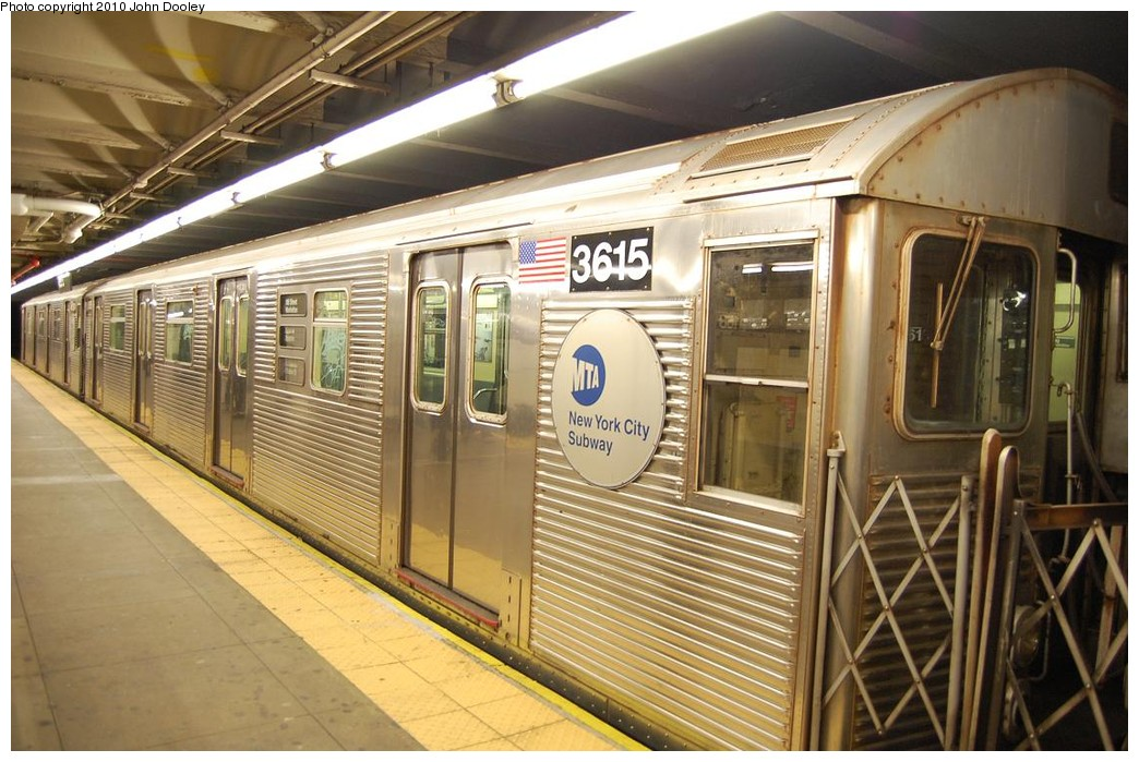 (241k, 1044x699)<br><b>Country:</b> United States<br><b>City:</b> New York<br><b>System:</b> New York City Transit<br><b>Line:</b> IND 8th Avenue Line<br><b>Location:</b> 168th Street <br><b>Route:</b> C<br><b>Car:</b> R-32 (Budd, 1964)  3615 <br><b>Photo by:</b> John Dooley<br><b>Date:</b> 12/3/2010<br><b>Viewed (this week/total):</b> 3 / 1036