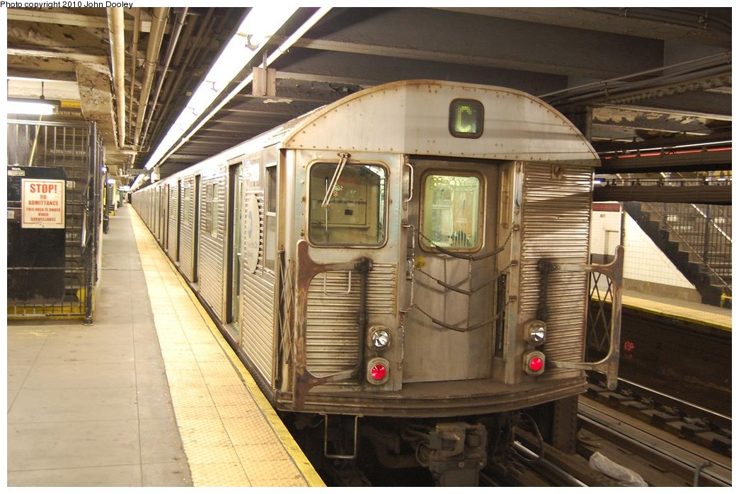 (234k, 1044x699)<br><b>Country:</b> United States<br><b>City:</b> New York<br><b>System:</b> New York City Transit<br><b>Line:</b> IND 8th Avenue Line<br><b>Location:</b> 168th Street <br><b>Route:</b> C<br><b>Car:</b> R-32 (Budd, 1964)   <br><b>Photo by:</b> John Dooley<br><b>Date:</b> 12/3/2010<br><b>Viewed (this week/total):</b> 3 / 1199