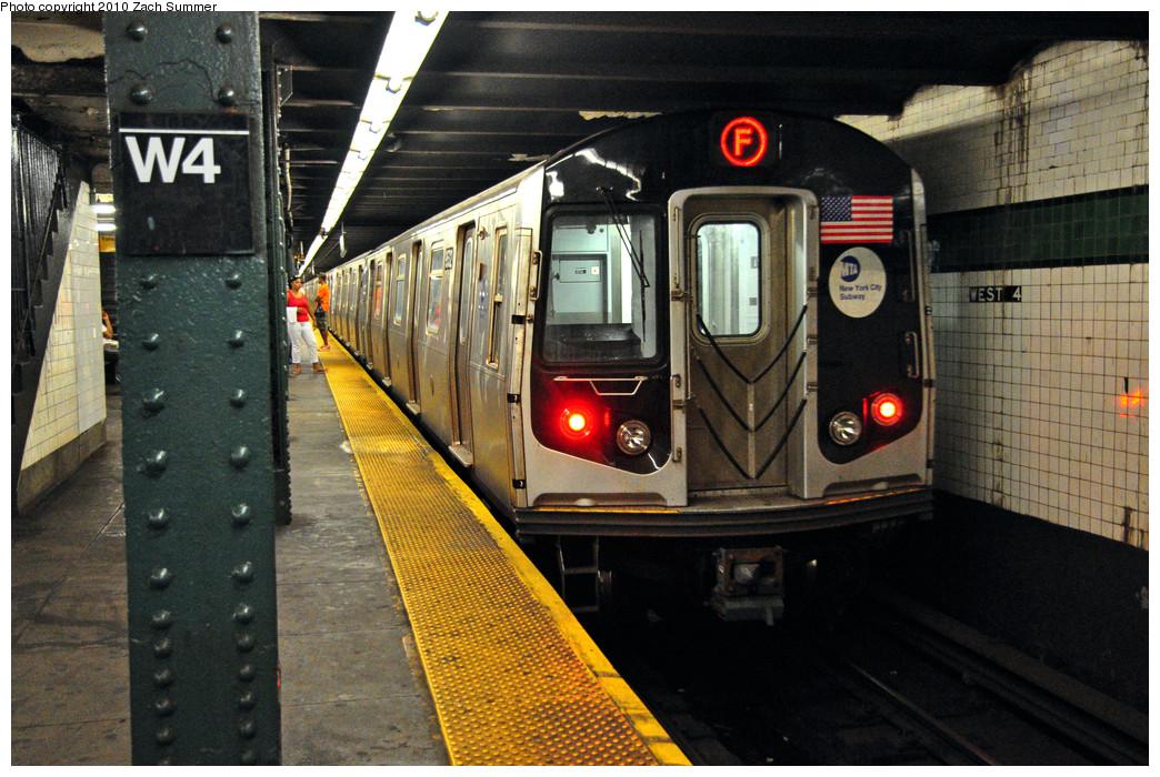 (308k, 1044x700)<br><b>Country:</b> United States<br><b>City:</b> New York<br><b>System:</b> New York City Transit<br><b>Line:</b> IND 6th Avenue Line<br><b>Location:</b> West 4th Street/Washington Square <br><b>Route:</b> F<br><b>Car:</b> R-160A (Option 1) (Alstom, 2008-2009, 5 car sets)  9532 <br><b>Photo by:</b> Zach Summer<br><b>Date:</b> 7/9/2010<br><b>Viewed (this week/total):</b> 0 / 1039