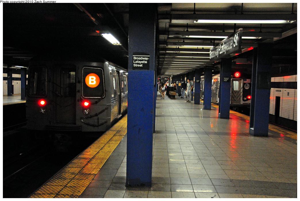 (274k, 1044x700)<br><b>Country:</b> United States<br><b>City:</b> New York<br><b>System:</b> New York City Transit<br><b>Line:</b> IND 6th Avenue Line<br><b>Location:</b> Broadway/Lafayette <br><b>Route:</b> B<br><b>Car:</b> R-68A (Kawasaki, 1988-1989)  5078 <br><b>Photo by:</b> Zach Summer<br><b>Date:</b> 7/9/2010<br><b>Viewed (this week/total):</b> 4 / 1458