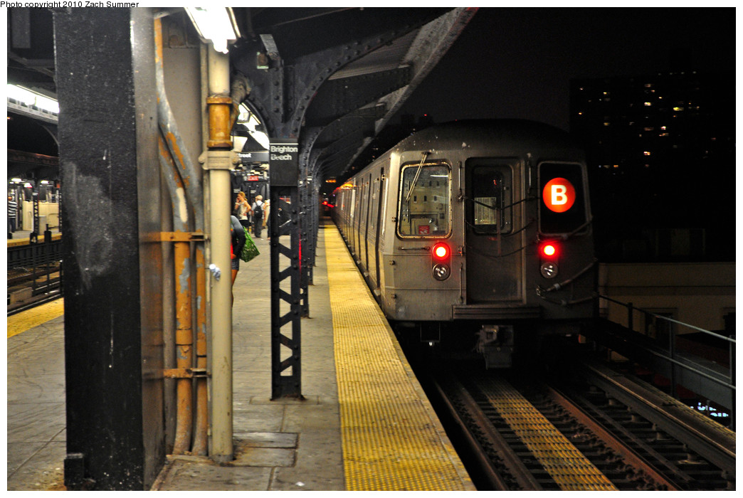 (244k, 1044x700)<br><b>Country:</b> United States<br><b>City:</b> New York<br><b>System:</b> New York City Transit<br><b>Line:</b> BMT Brighton Line<br><b>Location:</b> Brighton Beach <br><b>Route:</b> B<br><b>Car:</b> R-68 (Westinghouse-Amrail, 1986-1988)  2888 <br><b>Photo by:</b> Zach Summer<br><b>Date:</b> 7/8/2010<br><b>Viewed (this week/total):</b> 0 / 1042