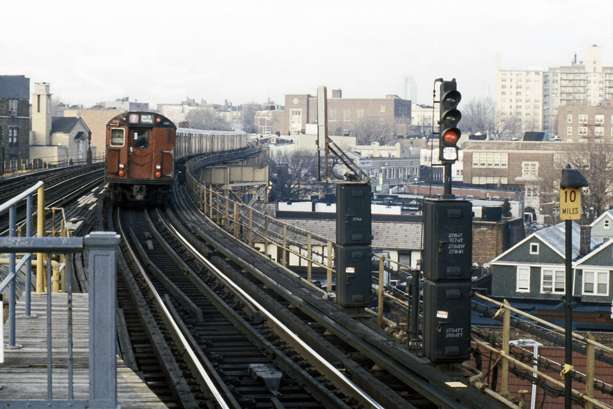 (583k, 1024x683)<br><b>Country:</b> United States<br><b>City:</b> New York<br><b>System:</b> New York City Transit<br><b>Line:</b> IRT Flushing Line<br><b>Location:</b> 61st Street/Woodside <br><b>Route:</b> 7<br><b>Car:</b> R-36 World's Fair (St. Louis, 1963-64)  <br><b>Collection of:</b> Collection of nycsubway.org <br><b>Date:</b> 1989<br><b>Notes:</b> 1980s.<br><b>Viewed (this week/total):</b> 0 / 3257