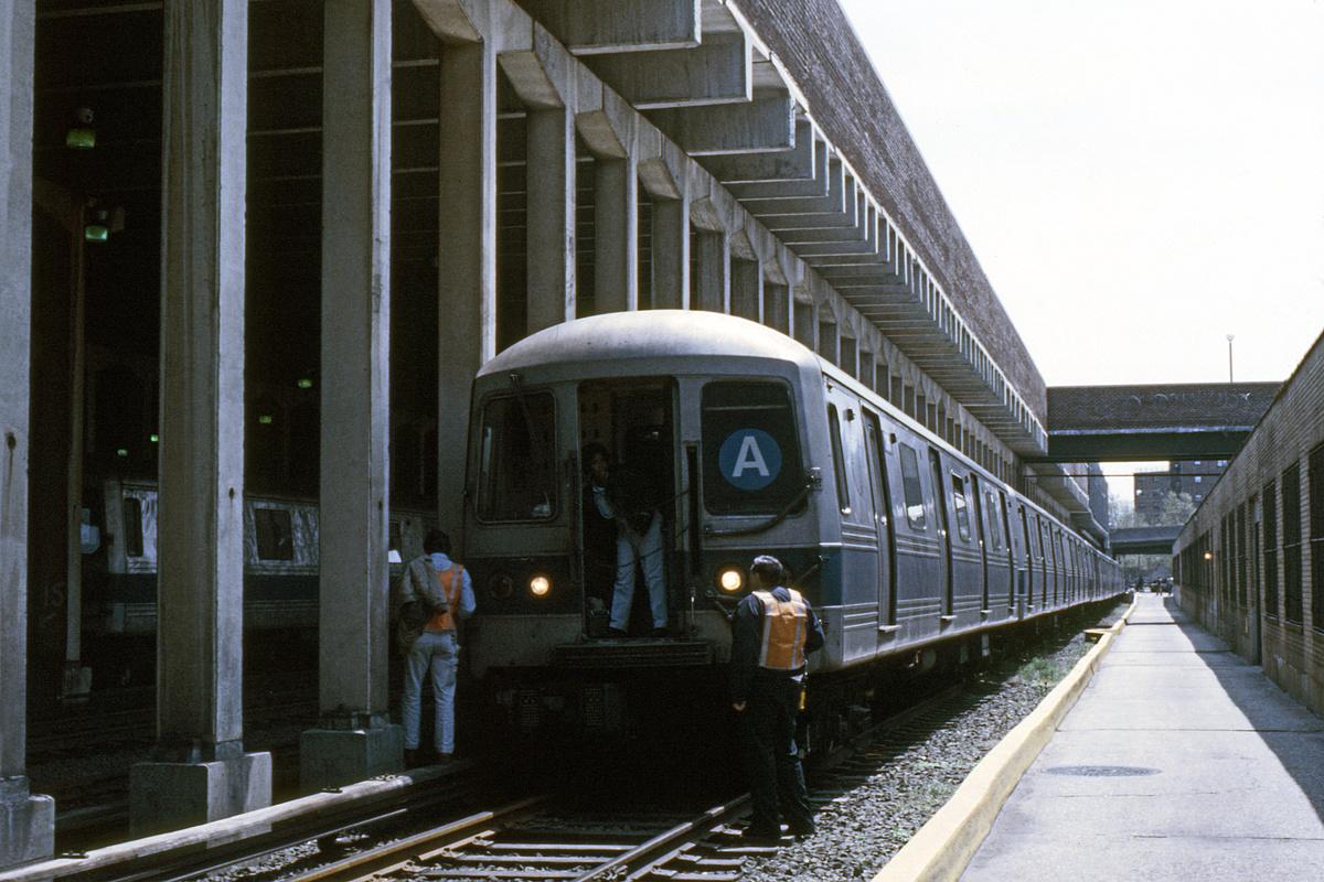 (312k, 1024x683)<br><b>Country:</b> United States<br><b>City:</b> New York<br><b>System:</b> New York City Transit<br><b>Location:</b> Pitkin Yard/Shops<br><b>Car:</b> R-44 (St. Louis, 1971-73)  <br><b>Collection of:</b> Collection of nycsubway.org <br><b>Notes:</b> 1980s<br><b>Viewed (this week/total):</b> 3 / 2445