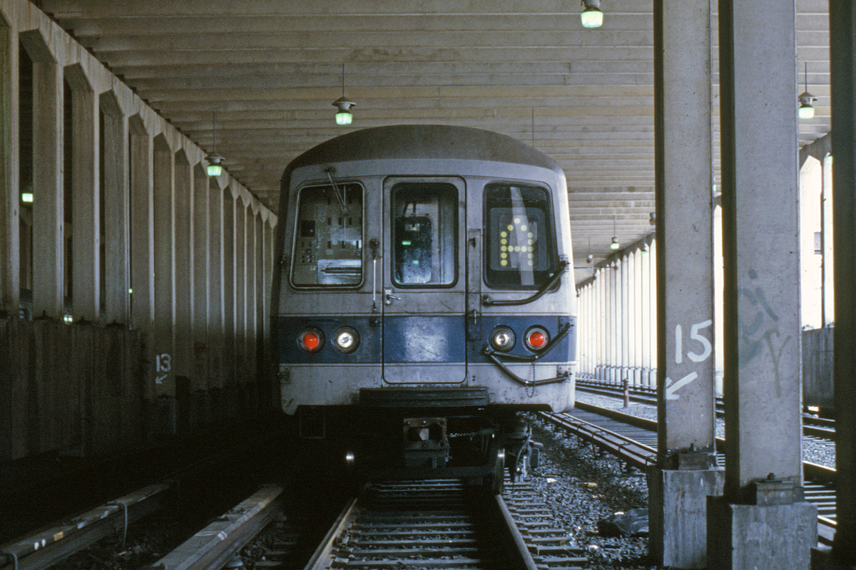 (450k, 1024x683)<br><b>Country:</b> United States<br><b>City:</b> New York<br><b>System:</b> New York City Transit<br><b>Location:</b> Pitkin Yard/Shops<br><b>Car:</b> R-44 (St. Louis, 1971-73)  <br><b>Collection of:</b> Collection of nycsubway.org <br><b>Notes:</b> Prototype digital sign-front<br><b>Viewed (this week/total):</b> 6 / 3329