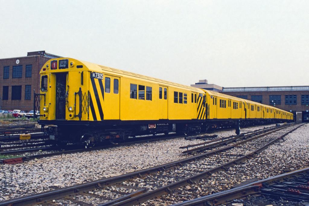 (285k, 1024x689)<br><b>Country:</b> United States<br><b>City:</b> New York<br><b>System:</b> New York City Transit<br><b>Location:</b> 207th Street Yard<br><b>Car:</b> R-22 (St. Louis, 1957-58) 7305 <br><b>Collection of:</b> Collection of nycsubway.org <br><b>Notes:</b> 1980s<br><b>Viewed (this week/total):</b> 1 / 1583