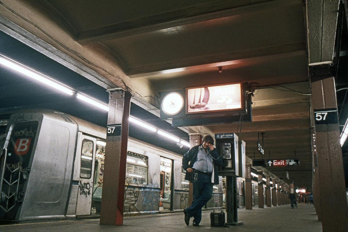 (245k, 1024x678)<br><b>Country:</b> United States<br><b>City:</b> New York<br><b>System:</b> New York City Transit<br><b>Line:</b> BMT Broadway Line<br><b>Location:</b> 57th Street <br><b>Car:</b> R-40 (St. Louis, 1968)   <br><b>Collection of:</b> Collection of nycsubway.org <br><b>Notes:</b> 1980s<br><b>Viewed (this week/total):</b> 3 / 2921