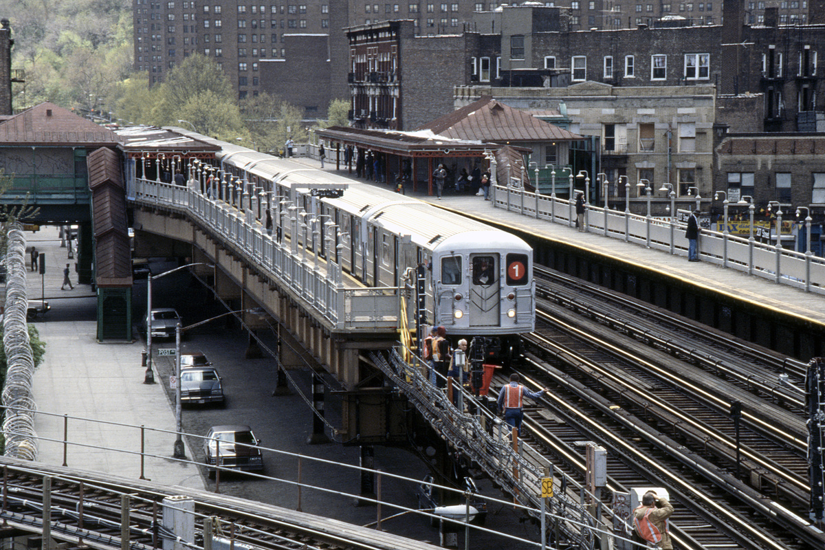 (339k, 1024x687)<br><b>Country:</b> United States<br><b>City:</b> New York<br><b>System:</b> New York City Transit<br><b>Line:</b> IRT West Side Line<br><b>Location:</b> 207th Street <br><b>Route:</b> 1<br><b>Car:</b> R-62A (Bombardier, 1984-1987)   <br><b>Collection of:</b> Collection of nycsubway.org <br><b>Notes:</b> 1980s<br><b>Viewed (this week/total):</b> 0 / 3999