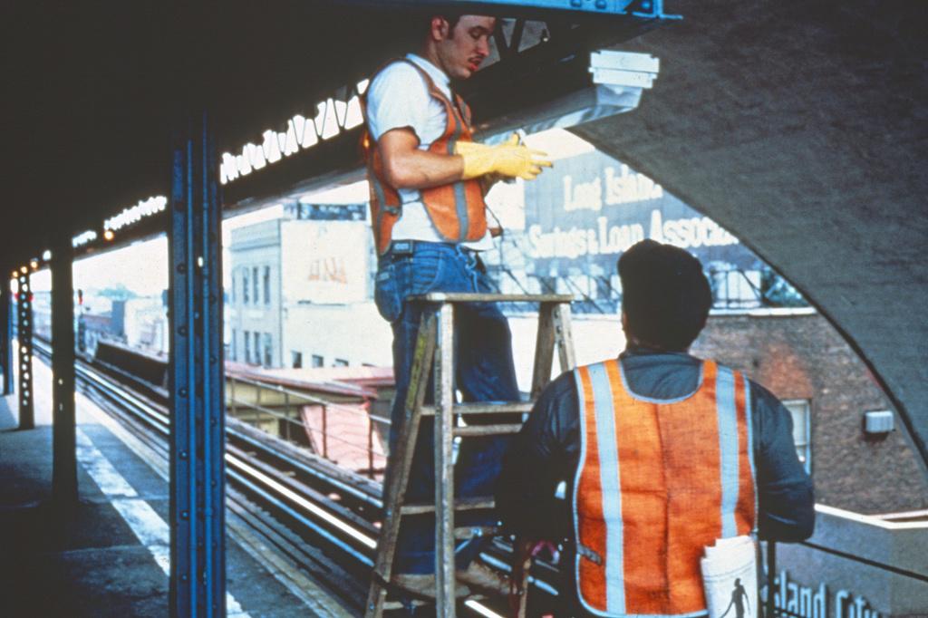 (346k, 1024x682)<br><b>Country:</b> United States<br><b>City:</b> New York<br><b>System:</b> New York City Transit<br><b>Line:</b> BMT Astoria Line<br><b>Location:</b> Ditmars Boulevard <br><b>Collection of:</b> Collection of nycsubway.org <br><b>Notes:</b> 1980s<br><b>Viewed (this week/total):</b> 0 / 2096