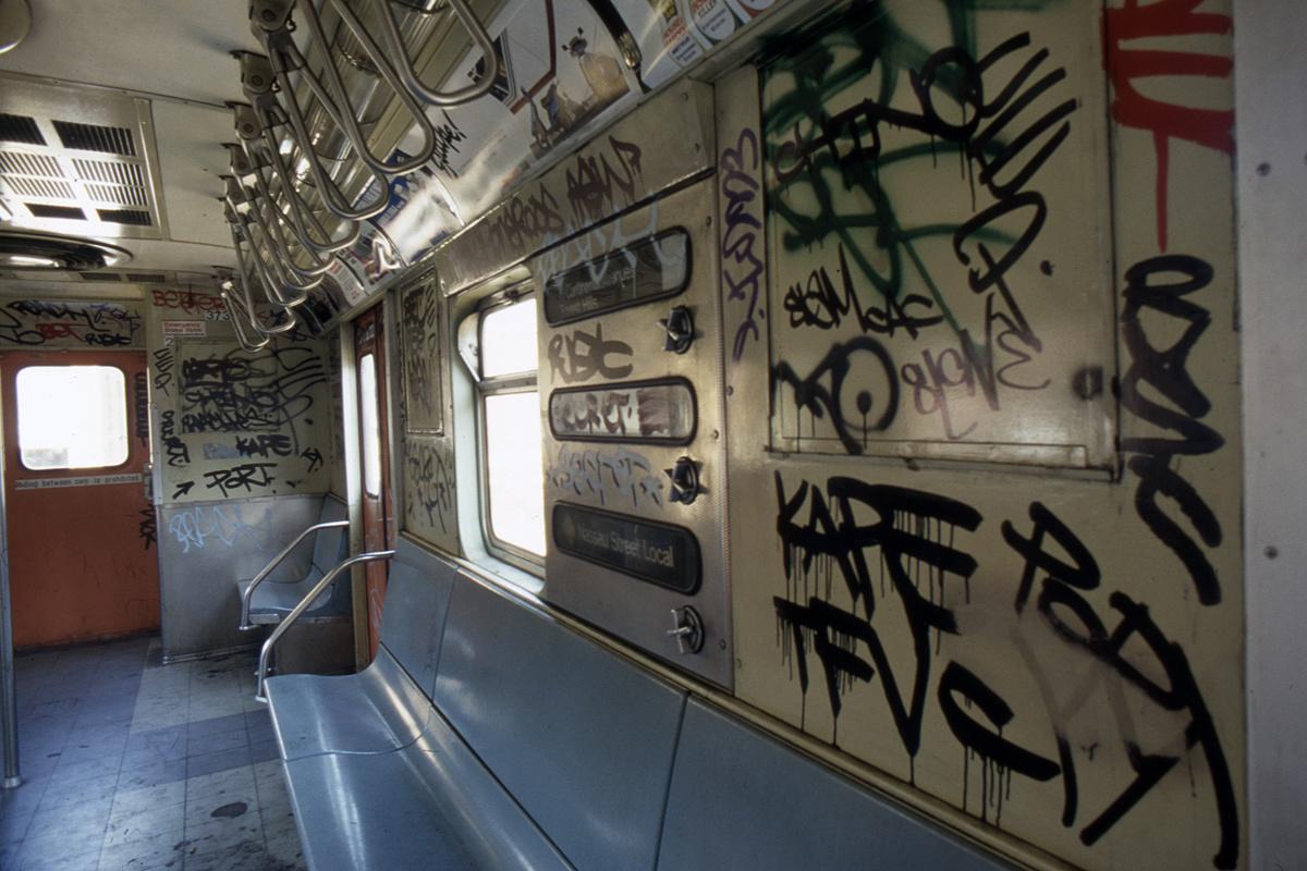 (388k, 1024x682)<br><b>Country:</b> United States<br><b>City:</b> New York<br><b>System:</b> New York City Transit<br><b>Car:</b> R-32 (Budd, 1964)  3739 <br><b>Collection of:</b> Collection of nycsubway.org <br><b>Notes:</b> 1980s<br><b>Viewed (this week/total):</b> 1 / 3348