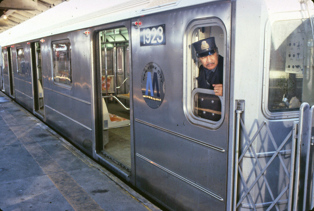 (233k, 1024x689)<br><b>Country:</b> United States<br><b>City:</b> New York<br><b>System:</b> New York City Transit<br><b>Car:</b> R-62A (Bombardier, 1984-1987)  1923 <br><b>Collection of:</b> Collection of nycsubway.org <br><b>Notes:</b> 1980s<br><b>Viewed (this week/total):</b> 0 / 2326