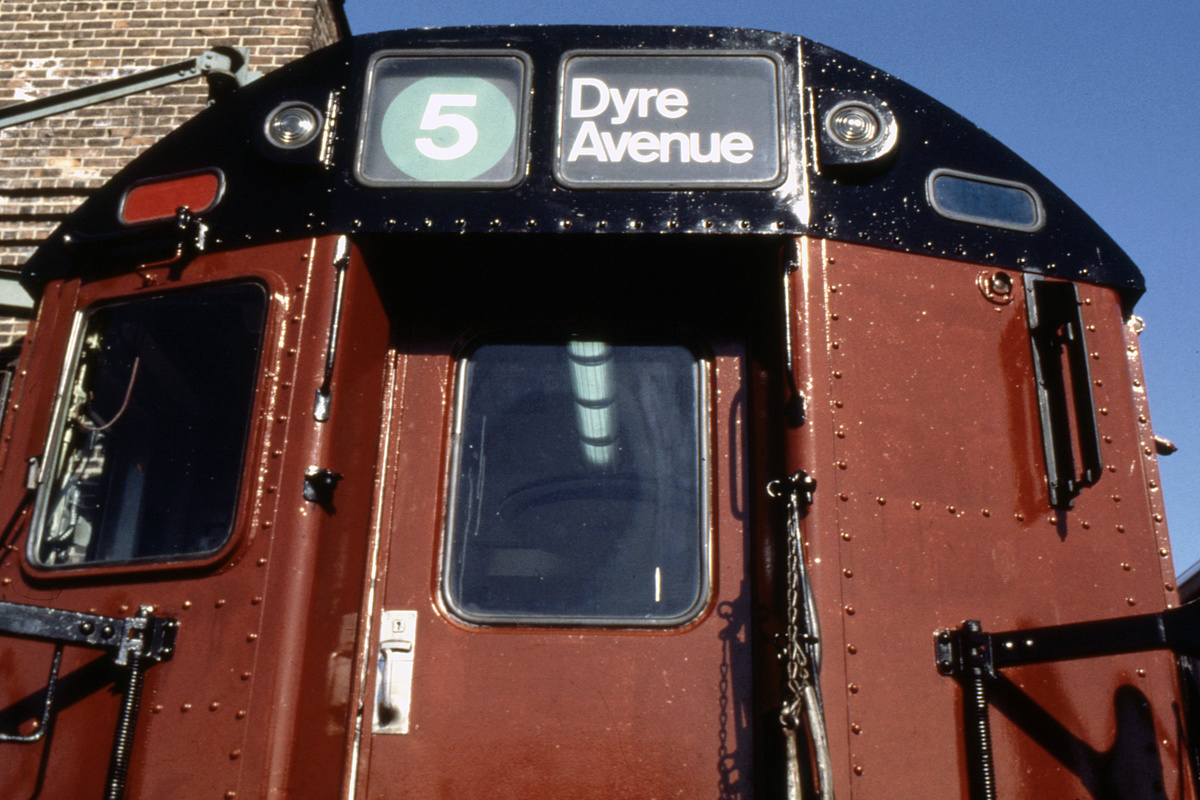 (255k, 1024x681)<br><b>Country:</b> United States<br><b>City:</b> New York<br><b>System:</b> New York City Transit<br><b>Location:</b> East 180th Street Yard<br><b>Car:</b> R-33 Main Line (St. Louis, 1962-63) 8967 <br><b>Collection of:</b> Collection of nycsubway.org <br><b>Notes:</b> 1980s<br><b>Viewed (this week/total):</b> 2 / 1521