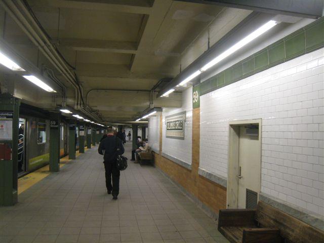 (44k, 640x480)<br><b>Country:</b> United States<br><b>City:</b> New York<br><b>System:</b> New York City Transit<br><b>Line:</b> IRT West Side Line<br><b>Location:</b> 59th Street/Columbus Circle <br><b>Photo by:</b> David Blair<br><b>Date:</b> 11/6/2010<br><b>Notes:</b> Southbound platform. Restored wall tile.<br><b>Viewed (this week/total):</b> 1 / 907