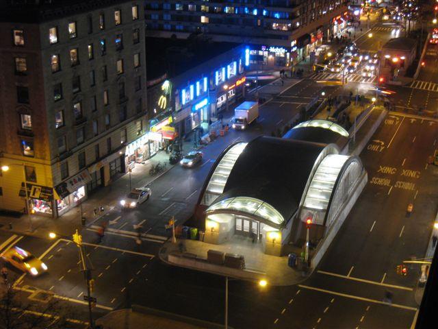 (67k, 640x480)<br><b>Country:</b> United States<br><b>City:</b> New York<br><b>System:</b> New York City Transit<br><b>Line:</b> IRT West Side Line<br><b>Location:</b> 96th Street <br><b>Photo by:</b> David Blair<br><b>Date:</b> 11/24/2010<br><b>Notes:</b> New entrance.<br><b>Viewed (this week/total):</b> 8 / 1858