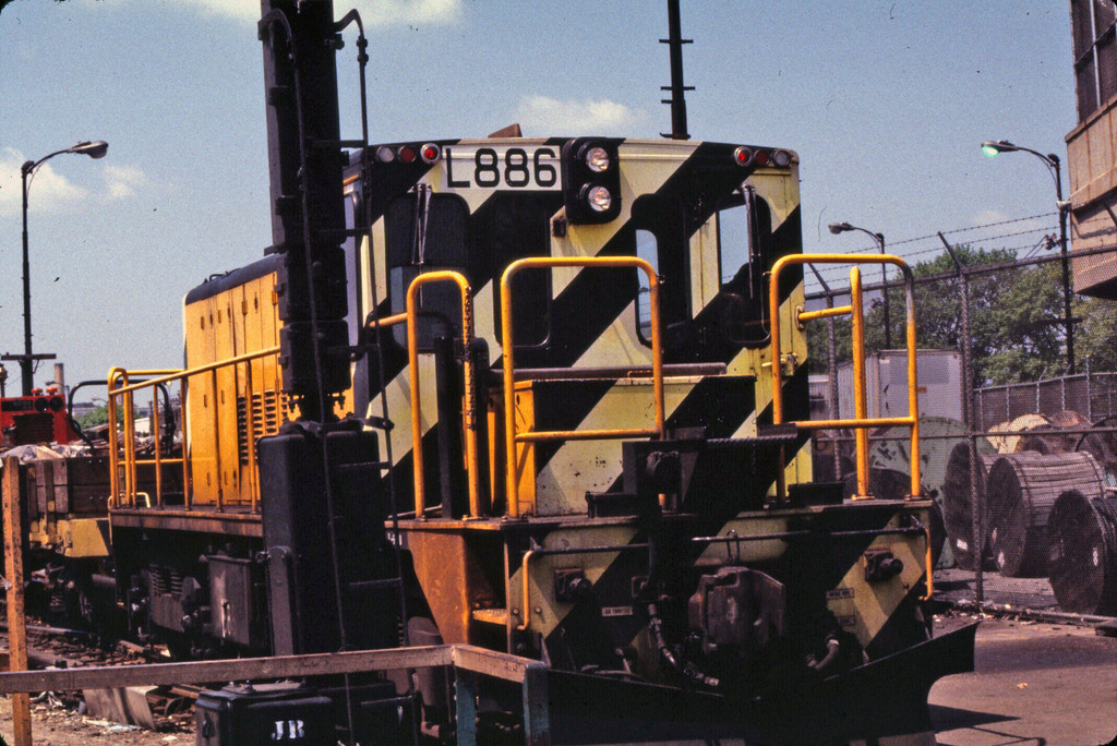 (285k, 1024x684)<br><b>Country:</b> United States<br><b>City:</b> New York<br><b>System:</b> New York City Transit<br><b>Location:</b> 36th Street Yard<br><b>Car:</b> R-77 Locomotive  86 <br><b>Collection of:</b> Collection of nycsubway.org <br><b>Notes:</b> 1980s<br><b>Viewed (this week/total):</b> 0 / 863