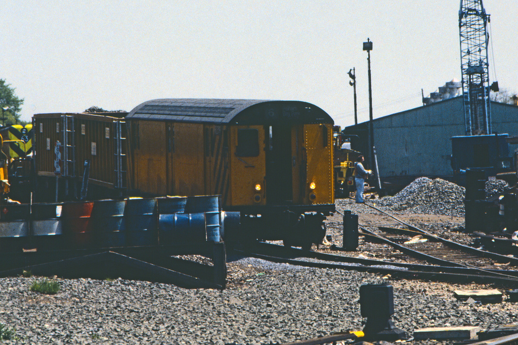 (299k, 1024x692)<br><b>Country:</b> United States<br><b>City:</b> New York<br><b>System:</b> New York City Transit<br><b>Location:</b> 36th Street Yard<br><b>Car:</b> R-71 Rider Car (R-17/R-21/R-22 Rebuilds)   <br><b>Collection of:</b> Collection of nycsubway.org <br><b>Notes:</b> 1980s<br><b>Viewed (this week/total):</b> 8 / 1219