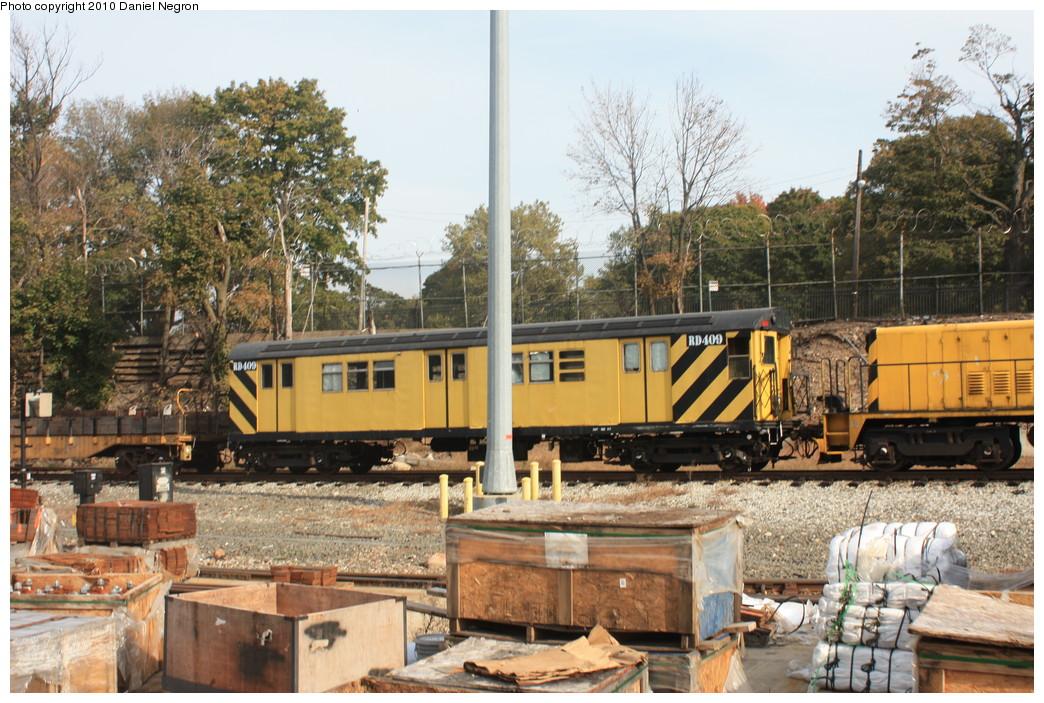 (279k, 1044x703)<br><b>Country:</b> United States<br><b>City:</b> New York<br><b>System:</b> New York City Transit<br><b>Location:</b> 36th Street Yard<br><b>Car:</b> R-161 Rider Car (ex-R-33)  RD409 <br><b>Photo by:</b> Daniel Negron<br><b>Date:</b> 10/20/2010<br><b>Viewed (this week/total):</b> 1 / 587