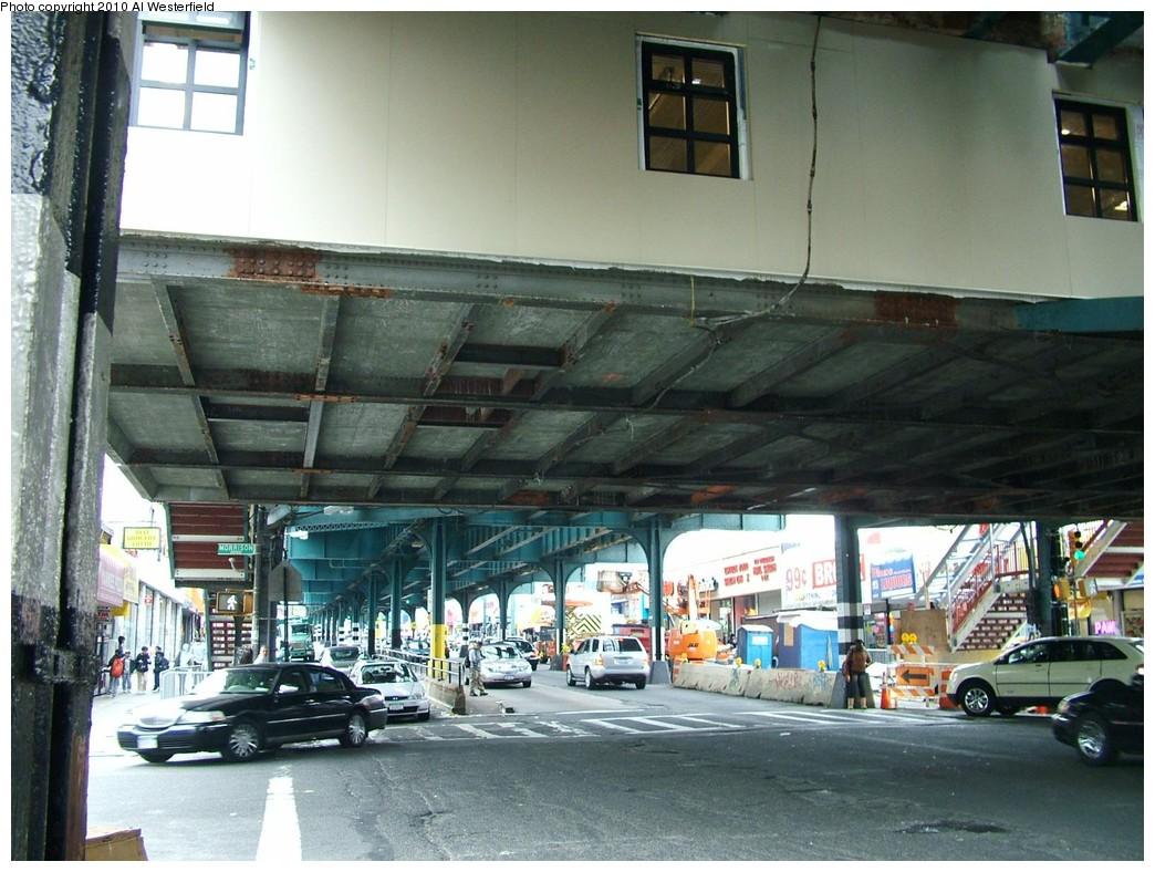 (219k, 1044x788)<br><b>Country:</b> United States<br><b>City:</b> New York<br><b>System:</b> New York City Transit<br><b>Line:</b> IRT Pelham Line<br><b>Location:</b> Elder Avenue <br><b>Photo by:</b> Al Westerfield<br><b>Date:</b> 2010<br><b>Notes:</b> Mezzanine viewed from street.<br><b>Viewed (this week/total):</b> 3 / 887
