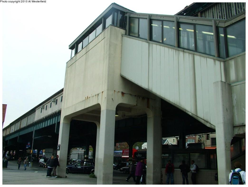 (142k, 1044x788)<br><b>Country:</b> United States<br><b>City:</b> New York<br><b>System:</b> New York City Transit<br><b>Line:</b> IRT Pelham Line<br><b>Location:</b> Pelham Bay Park <br><b>Photo by:</b> Al Westerfield<br><b>Date:</b> 2010<br><b>Notes:</b> Stairway to street.<br><b>Viewed (this week/total):</b> 1 / 1022