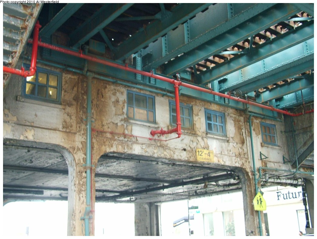 (192k, 1044x788)<br><b>Country:</b> United States<br><b>City:</b> New York<br><b>System:</b> New York City Transit<br><b>Line:</b> IRT Pelham Line<br><b>Location:</b> Westchester Square <br><b>Photo by:</b> Al Westerfield<br><b>Date:</b> 2010<br><b>Notes:</b> Mezzanine view from street.<br><b>Viewed (this week/total):</b> 0 / 975