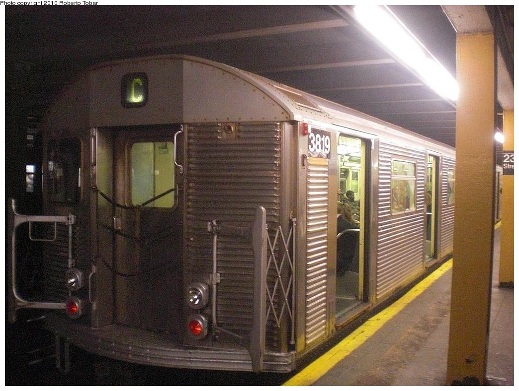 (310k, 1044x788)<br><b>Country:</b> United States<br><b>City:</b> New York<br><b>System:</b> New York City Transit<br><b>Line:</b> IND 8th Avenue Line<br><b>Location:</b> 23rd Street <br><b>Route:</b> C<br><b>Car:</b> R-32 (Budd, 1964)  3819 <br><b>Photo by:</b> Roberto C. Tobar<br><b>Date:</b> 12/8/2010<br><b>Viewed (this week/total):</b> 2 / 1085