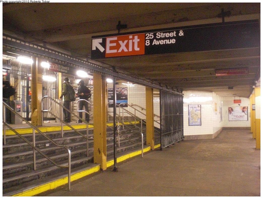 (313k, 1044x788)<br><b>Country:</b> United States<br><b>City:</b> New York<br><b>System:</b> New York City Transit<br><b>Line:</b> IND 8th Avenue Line<br><b>Location:</b> 23rd Street <br><b>Photo by:</b> Roberto C. Tobar<br><b>Date:</b> 12/8/2010<br><b>Notes:</b> Exit at 25th St.<br><b>Viewed (this week/total):</b> 0 / 900