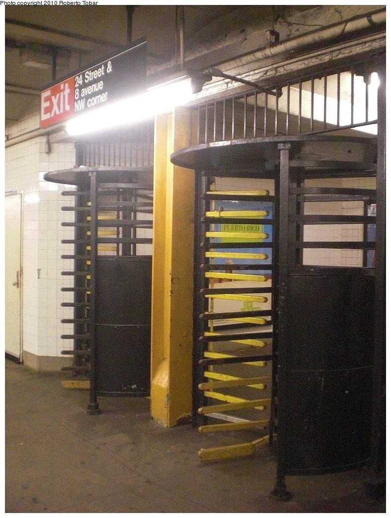 (305k, 788x1044)<br><b>Country:</b> United States<br><b>City:</b> New York<br><b>System:</b> New York City Transit<br><b>Line:</b> IND 8th Avenue Line<br><b>Location:</b> 23rd Street <br><b>Photo by:</b> Roberto C. Tobar<br><b>Date:</b> 12/8/2010<br><b>Notes:</b> Exit at 24th St.<br><b>Viewed (this week/total):</b> 1 / 814