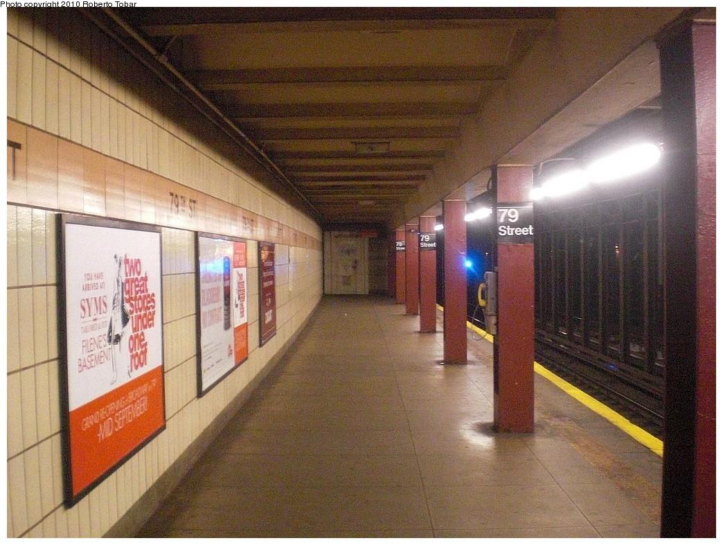 (299k, 1044x788)<br><b>Country:</b> United States<br><b>City:</b> New York<br><b>System:</b> New York City Transit<br><b>Line:</b> IRT West Side Line<br><b>Location:</b> 79th Street <br><b>Photo by:</b> Roberto C. Tobar<br><b>Date:</b> 11/27/2010<br><b>Notes:</b> Platform view.<br><b>Viewed (this week/total):</b> 4 / 1466