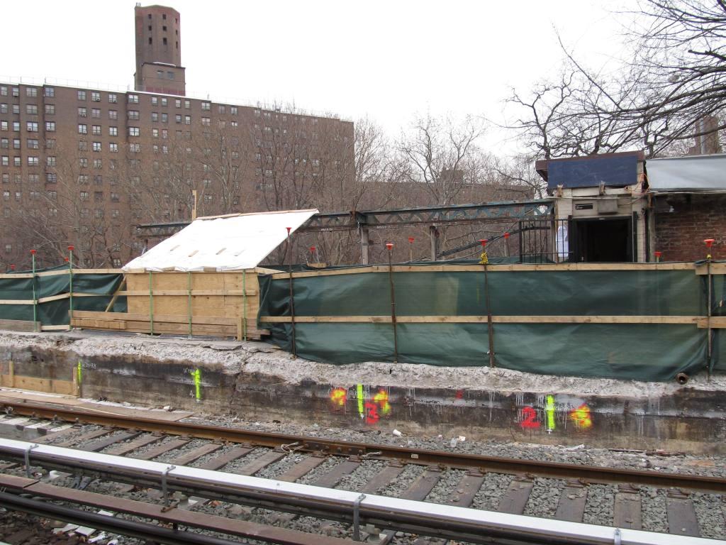 (149k, 1024x768)<br><b>Country:</b> United States<br><b>City:</b> New York<br><b>System:</b> New York City Transit<br><b>Line:</b> IRT West Side Line<br><b>Location:</b> Dyckman Street <br><b>Photo by:</b> Robbie Rosenfeld<br><b>Date:</b> 12/16/2010<br><b>Notes:</b> Station reconstruction<br><b>Viewed (this week/total):</b> 2 / 1240