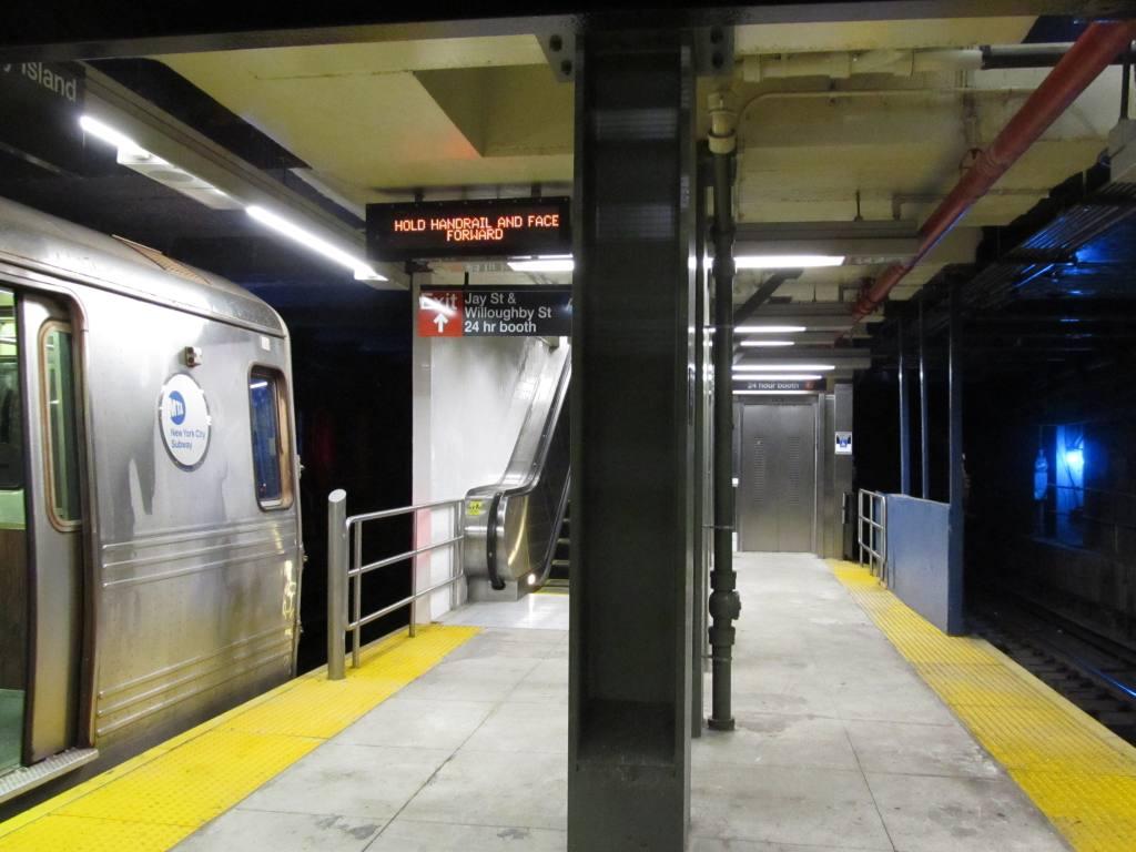 (97k, 1024x768)<br><b>Country:</b> United States<br><b>City:</b> New York<br><b>System:</b> New York City Transit<br><b>Line:</b> BMT Broadway Line<br><b>Location:</b> Jay St./Metrotech (Lawrence St.) <br><b>Photo by:</b> Robbie Rosenfeld<br><b>Date:</b> 12/10/2010<br><b>Notes:</b> New transfer corridor to Jay St IND.<br><b>Viewed (this week/total):</b> 1 / 2011