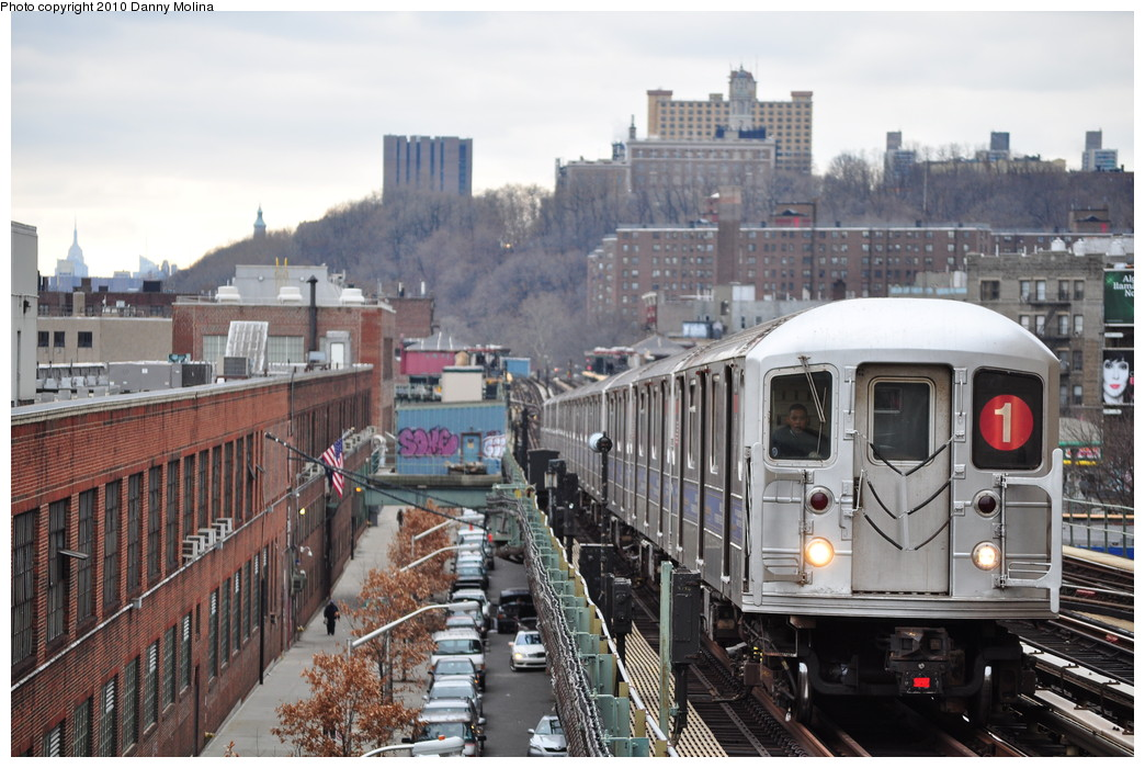 (273k, 1044x700)<br><b>Country:</b> United States<br><b>City:</b> New York<br><b>System:</b> New York City Transit<br><b>Line:</b> IRT West Side Line<br><b>Location:</b> 215th Street <br><b>Route:</b> 1<br><b>Car:</b> R-62A (Bombardier, 1984-1987)   <br><b>Photo by:</b> Danny Molina<br><b>Date:</b> 12/13/2010<br><b>Viewed (this week/total):</b> 0 / 1384