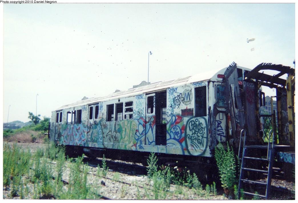 (179k, 1044x712)<br><b>Country:</b> United States<br><b>City:</b> New York<br><b>System:</b> New York City Transit<br><b>Line:</b> South Brooklyn Railway<br><b>Location:</b> SBK Yard (2nd Ave at 38th St.) (SBK)<br><b>Car:</b> R-22 (St. Louis, 1957-58)  <br><b>Photo by:</b> Daniel Negron<br><b>Notes:</b> 1990s<br><b>Viewed (this week/total):</b> 1 / 1744