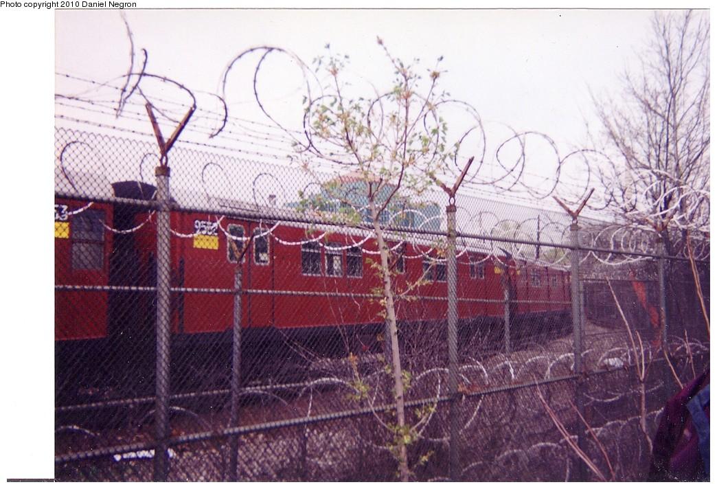 (217k, 1044x712)<br><b>Country:</b> United States<br><b>City:</b> New York<br><b>System:</b> New York City Transit<br><b>Location:</b> Westchester Yard<br><b>Car:</b> R-36 Main Line (St. Louis, 1964) 9552 <br><b>Photo by:</b> Daniel Negron<br><b>Notes:</b> 1990s<br><b>Viewed (this week/total):</b> 0 / 1030