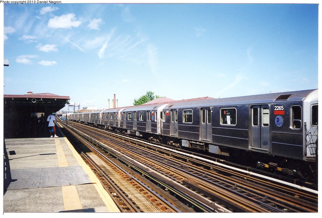 (205k, 1044x708)<br><b>Country:</b> United States<br><b>City:</b> New York<br><b>System:</b> New York City Transit<br><b>Line:</b> IRT West Side Line<br><b>Location:</b> 207th Street <br><b>Route:</b> 1<br><b>Car:</b> R-62A (Bombardier, 1984-1987)  2265 <br><b>Photo by:</b> Daniel Negron<br><b>Notes:</b> 1990s<br><b>Viewed (this week/total):</b> 0 / 1130