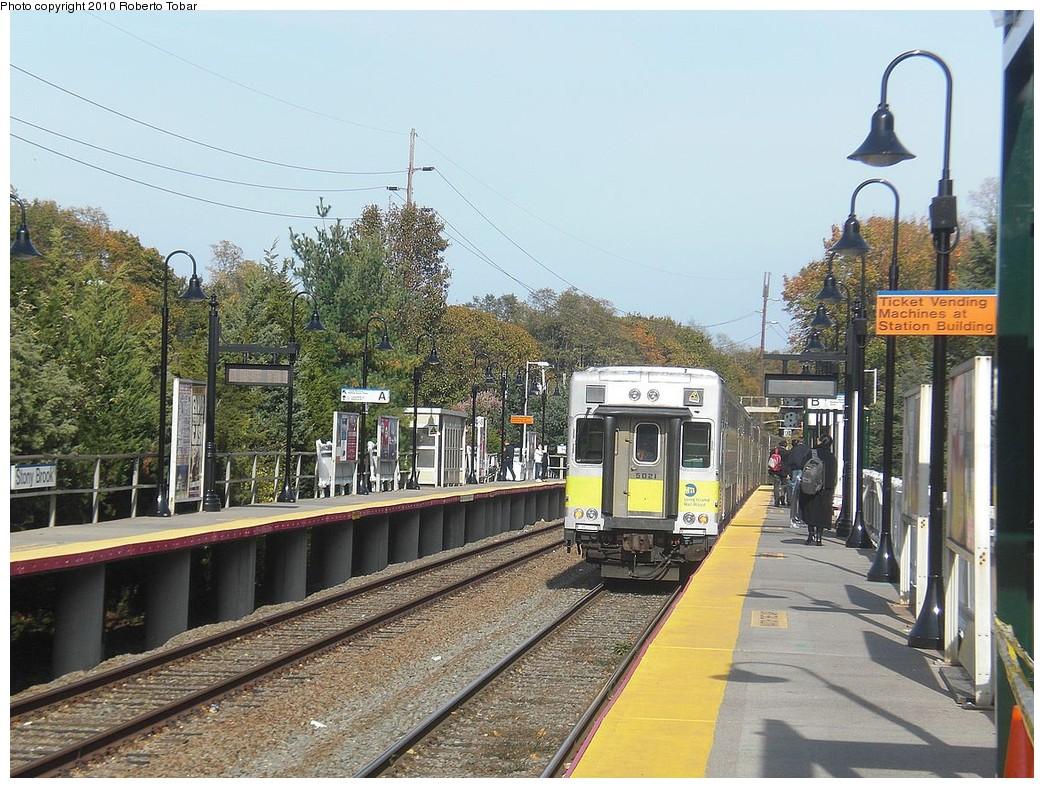 (302k, 1044x788)<br><b>Country:</b> United States<br><b>System:</b> Long Island Rail Road<br><b>Line:</b> LIRR Port Jefferson<br><b>Location:</b> Stony Brook<br><b>Photo by:</b> Roberto C. Tobar<br><b>Date:</b> 10/30/2010<br><b>Viewed (this week/total):</b> 1 / 653