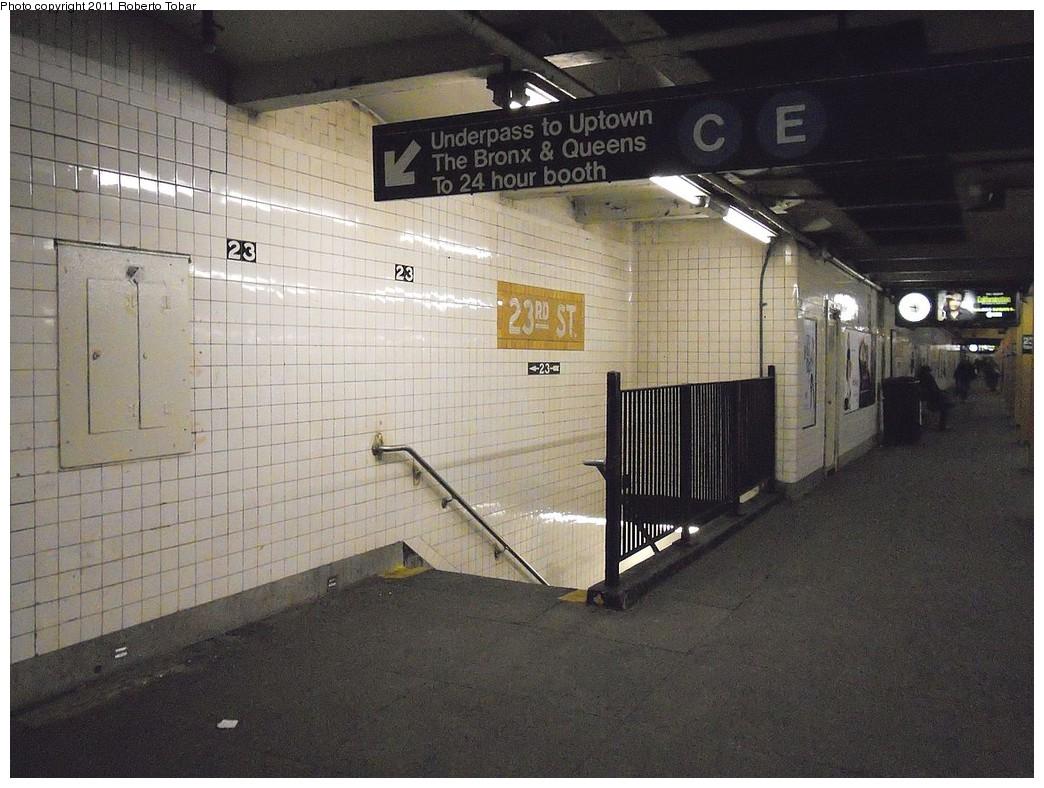 (267k, 1044x788)<br><b>Country:</b> United States<br><b>City:</b> New York<br><b>System:</b> New York City Transit<br><b>Line:</b> IND 8th Avenue Line<br><b>Location:</b> 23rd Street <br><b>Photo by:</b> Roberto C. Tobar<br><b>Date:</b> 1/5/2011<br><b>Notes:</b> Crossunder<br><b>Viewed (this week/total):</b> 2 / 1304