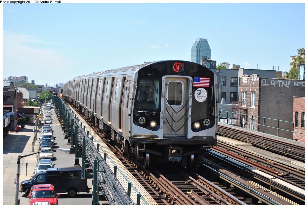 (287k, 1044x705)<br><b>Country:</b> United States<br><b>City:</b> New York<br><b>System:</b> New York City Transit<br><b>Line:</b> BMT Astoria Line<br><b>Location:</b> Broadway <br><b>Route:</b> W<br><b>Car:</b> R-160B (Kawasaki, 2005-2008)  8902 <br><b>Photo by:</b> DeAndre Burrell<br><b>Date:</b> 5/3/2010<br><b>Viewed (this week/total):</b> 0 / 1351