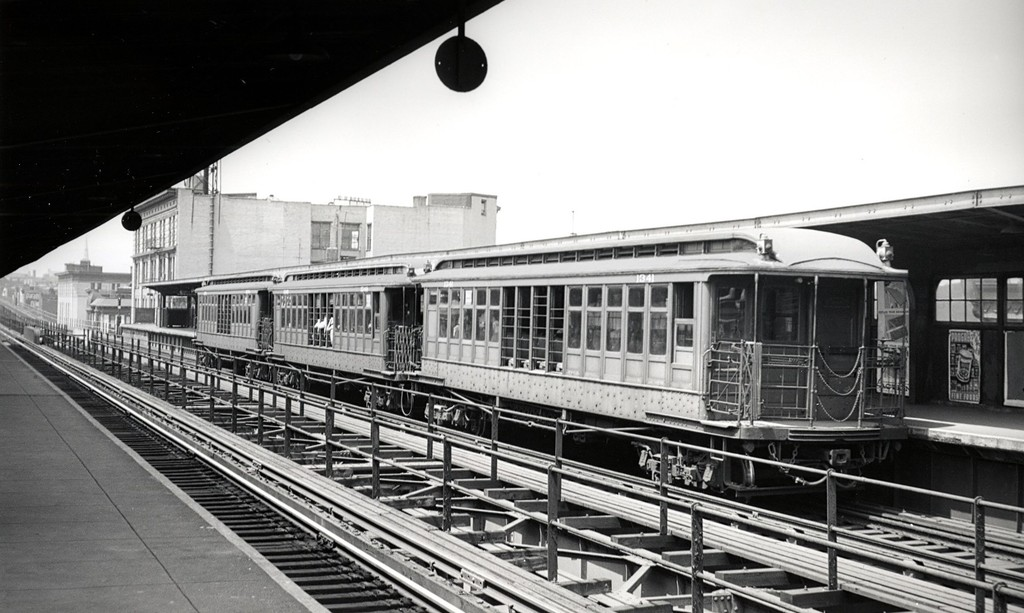(165k, 1024x613)<br><b>Country:</b> United States<br><b>City:</b> New York<br><b>System:</b> New York City Transit<br><b>Line:</b> BMT Myrtle Avenue Line<br><b>Location:</b> Knickerbocker Avenue <br><b>Car:</b> BMT Elevated Gate Car 1341 <br><b>Date:</b> 8/3/1957<br><b>Viewed (this week/total):</b> 0 / 1222