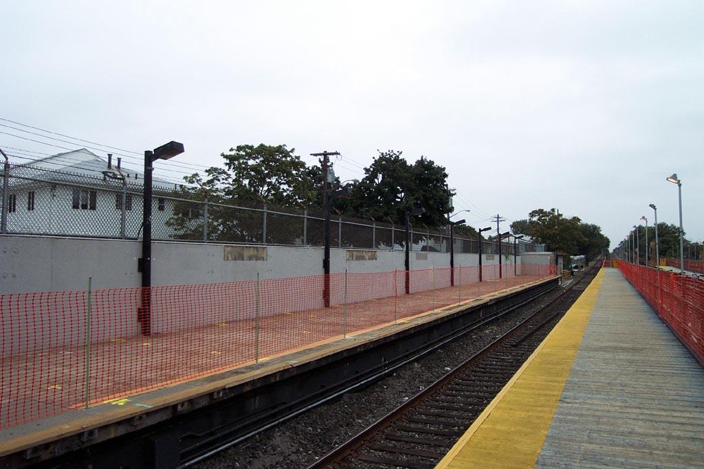 (136k, 1024x683)<br><b>Country:</b> United States<br><b>City:</b> New York<br><b>System:</b> New York City Transit<br><b>Line:</b> IND Rockaway<br><b>Location:</b> Howard Beach <br><b>Photo by:</b> Michael Pompili<br><b>Date:</b> 8/24/2002<br><b>Notes:</b> Station reconstruction for Airtrain project.<br><b>Viewed (this week/total):</b> 1 / 1118